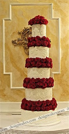 Red and white wedding cake by Design Cakes Elegant Wedding Cakes, Elegant Cakes, Beautiful Wedding Cakes, Gorgeous Cakes, Wedding Cake Designs, Pretty Cakes, Red Wedding, Amazing Cakes, Wedding Flowers