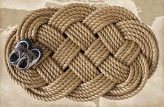 Nautical Welcome Mat Large Braided Rope Door Mat, Sailor Ocean Plait Celtic Knot Rug Contemporary Door Mats, Manila Rope, Front Door Mats, Nautical Home, Nautical Style, Coastal Style, Rope Crafts, Welcome Mats, Celtic Knot