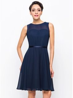 A-Line/Princess Scoop Neck Knee-Length Chiffon Cocktail Dress With Pleated (016055951) - JJsHouse