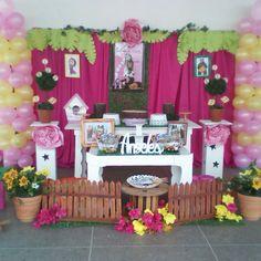 Resultado de imagen para masha y el oso decoracion de fiesta Baby 1st Birthday, 3rd Birthday Parties, Masha And The Bear, Bear Party, Ideas Para Fiestas, Minnie, Christening, Maya, Alice