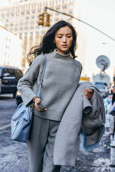 Best Outfit Ideas For Fall And Winter  Shades of grey blue bag.