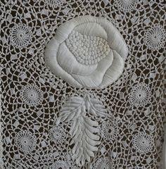 Irish crochet lace dress 1910 - detail
