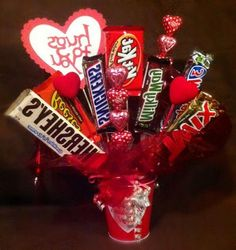 35+ Gorgeous Valentine Candy Bouquet Ideas Valentine Gift Baskets, Valentines Mugs, Valentine Ideas, Valentine Crafts, Chocolate Bouquet, Candy Bouquet, Firefighters, Birthday Party Decorations, Candies