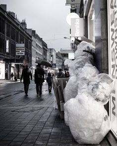 #bruxellesmabelle #peopleareawesome #wearetheluckyones #brussels #streetphotography #igerslux #bxl #streetphoto #street #streetlife #streetshot #streetlifestyle #igersluxembourg #welovebrussels #brusselslive #visitbrussels #worldplaces #wanderlust #urban #urbanphotography #urbanphoto #street #ig_street #cities #dezpx #dezpx_street #socialdocumentary #dezpx_bxl #igersbrussels #urbanstreetdiving #ixelles #louise (hier: Ixelles)