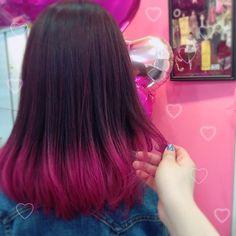 WEBSTA @ marika.21rw - pink.デニムの服にも相性抜群‼︎春は毛先で遊びましょうっ\(^o^)/✨.明日はご予約取りやすくなっていますのでご予約お待ちしてます♡..#ピンク#ハイライト#グラデーション#ピンクブラウン#ブリーチ#ダブルカラー#マニパニ#マニックパニックオシャレカラー#派手カラー#ツートンカラー#毛先カラー#kenje#fujisawa#ケンジ藤沢#美容院#美容師#サロン#藤沢#駅前#駅近#湘南#DMからもお気軽にご相談承ります✨