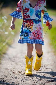 walking on sunshine! love those yellow boots