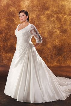 Cheap Bridal Shop Plus Size Custom-made 1/2 Sleeve V-neck Beading Applique Satin&Lace Chapel Train Wedding Dress for Brides
