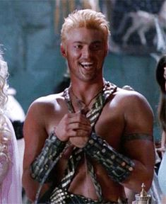 Karl Urban<< What the fuck am i seeing rn 0.0