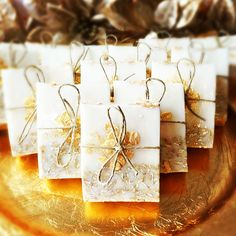 Tips to Make Your Bathroom Sparkle Gold Glitter Soap Favors. Baby Shower Favours For Guests, Personalized Baby Shower Favors, Bridal Shower Favors, Wedding Favors For Guests, Wedding Ideas, Soap Labels, Soap Favors, Gold Glitter, Tea Party