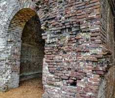 Visit Dorchester, A South Carolina Ghost Town That's Great For An Autumn Day Trip Abandoned Cities, Abandoned Amusement Parks, Abandoned Mansions, Abandoned Houses, Parris Island, The Settlers, Old Churches, Ghost Towns, Historical Sites