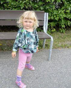 Kaava ja ohjeet: Tytön väljä paita - Tutorial: A loose shirt for girls Loose Shirts, Shirts For Girls, Sewing, Style, Fashion, Swag, Moda, Dressmaking, Couture