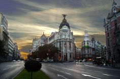 Beautiful pic of the Gran Vía. Madrid, Spain