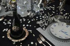 http://www.vogliacasa.it/capodanno-decorazioni-in-bianco-e-nero