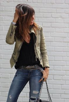fluor details for my shilaba - mytenida : Jeans, black tee, leather jacket Fashion Mode, Love Fashion, Autumn Fashion, Fashion Outfits, Fashion Casual, Look 2018, Neue Outfits, Work Outfits, Pinterest Fashion