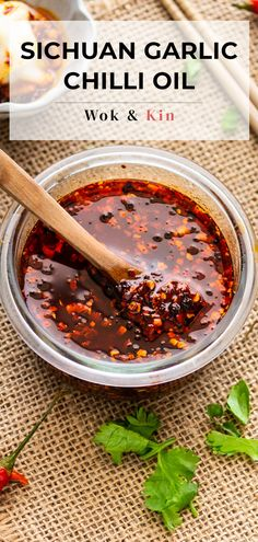 Spicy Recipes, Asian Recipes, Cooking Recipes, Chili Paste Recipe, Chinese Chili Oil, Garlic Oil Recipe, Chili Garlic Sauce, Homemade Chili, Saveur