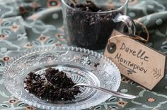 Mushroom duxelles by Greek chef Akis Petretzikis. An intensely flavorful mushroom recipe that can boost the flavor of any sauce, stuffing, risotto or any dish! Mushroom Soup, Mushroom Recipes, Yummy Healthy Snacks, Hors D'oeuvres, Feeding A Crowd, French Food, Tapas, Keto Recipes, Stuffed Mushrooms
