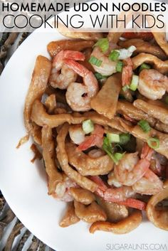 Homemade Udon Noodles Recipe and shrimp dinner. This si so good and easy to make. The kids will love this Cooking with Kids recipe and will eat up this Japanese dinner recipe! Healthy Meals To Cook, Healthy Cooking, Healthy Eating, Homemade Udon Noodles Recipe, Kids Meals, Family Meals, Snack Recipes, Healthy Recipes, Snacks