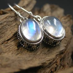 925 Sterling Silver Hand-inlaid With Classic Natural Moonstone earring