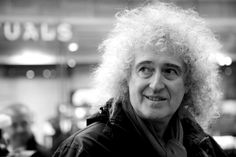 """"""" I don't think I've ever seen a more beautiful photo of you :)"""" Brian's Song, Queen Guitarist, Queen Brian May, Queens Wallpaper, We Are The Champions, Queen Love, Ben Hardy, Queen Pictures, Queen Freddie Mercury"""