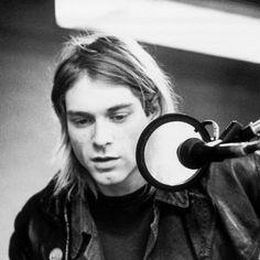 grafika kurt cobain, nirvana, and grunge Kurt Cobain News, Nirvana Kurt Cobain, Nirvana Band, Robert Johnson, Janis Joplin, Jim Morrison, Jimi Hendrix, Main Image, Post Mortem
