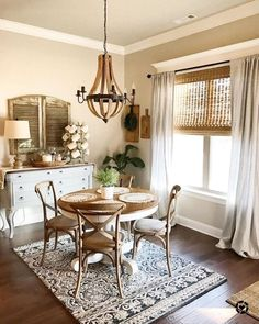 Ideas kitchen window dressing french country dining rooms for 2019 Farmhouse Dining Room Set, French Country Dining Room, Dining Nook, Dining Room Sets, Dining Room Design, Dining Room Table, Rustic Farmhouse, Country French, Farmhouse Ideas