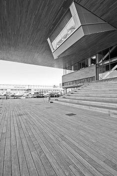 ICA Boston designed by Diller Scofidio + Renfro.  Photo credit Scott Norsworthy.
