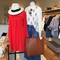 Getaway✈️ @madewell1937  #dress #eyelet #coraldress #floralprint #totebag #wideleg #flarejeans #jeans #denim #denimmadewell #everydaymadewell @pixxyapp