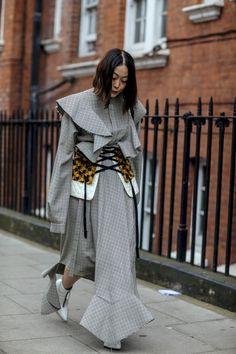 fine 45 Best Winter Street Style Inspiration https://attirepin.com/2017/11/21/45-best-winter-street-style-inspiration/