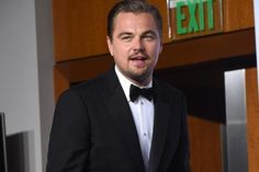 A lucky fan can have dinner with Leonardo DiCaprio and Kate Winslet.
