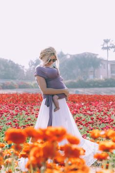 Barefoot Blonde Amber wearing Solly Baby in Berry Love You Baby, Mom And Baby, Carlsbad Flower Fields, Baby Car Mirror, Amber Fillerup Clark, Barefoot Blonde, Baby Wraps, Baby Wearing, Beautiful Babies