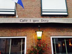 Bedrukking luifel Café I gen Dörp! Aanzicht van de voorkant.