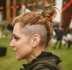 This looks so stupid!! I hate that people do this to their hair.