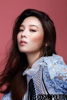 Yoon So Hee makes it hard to tear your eyes away in 'Cosmopolitan' shoot Asian Actors, Korean Actresses, Korean Actors, Actors & Actresses, Korean Women, Korean Girl, Asian Girl, Crystal Reed, Jacqueline Fernandez