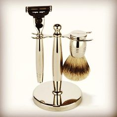 For a Gentleman to be at his most dashing, impeccable grooming is required. Penhaligon's range of shaving and bath & body are the essential men grooming kit Shaving Set, Shaving Brush, Shaving Cream, Dandy, Classic Shaving, Man Bathroom, Dopp Kit, Men's Grooming, Paris