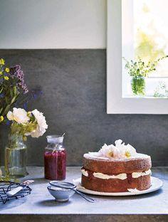 Amber Rose's Perfect Sponge Cake Recipe - Viva