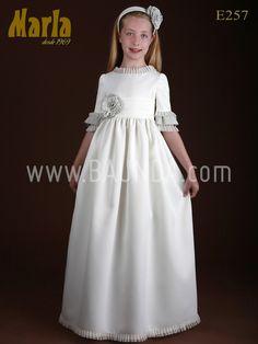 Vestido de comunion de corte imperio Marla E257 Disponible en nuestra tienda Baunda C/ Ayala 85, Madrid y online http://www.baunda.com
