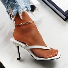 Heeled Flip Flops, White Flip Flops, Women's Mules, Mules Shoes, None, Trendy Sandals, Womens Summer Shoes, White Sandals, Women's Feet