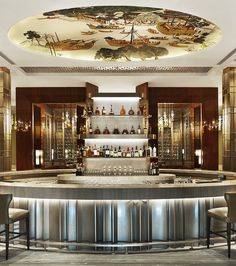 note the ceiling! Regis Tianjin—The hotel bar Restaurant Hotel, Architecture Restaurant, Restaurant Design, Restaurant Chairs, Module Design, Luxury Bar, Luxury Hotels, Lobby Bar, Bar Interior