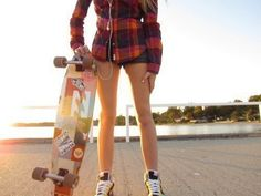 Find images and videos about girl, skate and skateboard on We Heart It - the app to get lost in what you love. Skater Look, Skater Girl Style, Skater Kid, Swag Style, My Style, Girls Skate, Long Skateboards, Girl Fashion Style, Fashion Site