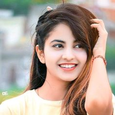Beautiful Girl Photo, Beautiful Girl Indian, Girl Pictures, Girl Photos, Beautiful Heroine, Harem Girl, Cute Selfie Ideas, Hot Images Of Actress, Deepika Padukone Style