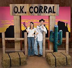 Great decoration for a western party. Would be a great place for a group photo or individual photos.