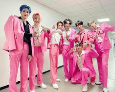 Pentagon Group, Pentagon Members, Pentagon Hongseok, Cube Entertainment, Group Photos, Bridesmaid Dresses, Wedding Dresses, Asian Actors, I Fall In Love