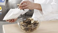 STORING & PACKING. SAGA Deli Bags are suitable for storing dried mushrooms.
