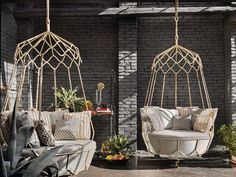 De tuinvariant van de gehaakte plantenhangers > GRAVITY Garden hanging chair by Roberti Rattan design Technical Emotions