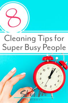 Want a clean house, but work full time? Or maybe you're crazy busy! These cleaning tips and hacks for busy people will help you keep your house clean in the time you have available. Home Management Binder, Management Tips, Cleaning Checklist, Cleaning Tips, Refrigerator Organization, Organized Kitchen, Bathroom Cleaning Hacks, Crazy Busy, Family Organizer