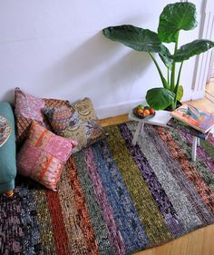 would be cooler with a huge cushion like a big dog bed for people!