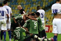 JORNAL O RESUMO - COLUNA - ESPORTE: Fluminense venceu e teve um jogador expulso - Espo...
