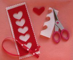 Marque-page / Felt hearts bookmark