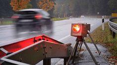 Seit Zeiten gibt es Debatten in Österreich darüber, ob ein vollständiges Radarwarner und / oder Blitzerwarner Verbot geben muss. Viele verschiedene Argumente und Prinzipien werden angesprochen und genutzt. Es ist mit die Verwendung solcher Geräte für...