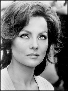 Per chi come me crede che Virna Lisi sia stata una delle più belle donne italiane... altro che la Loren...